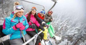wintersport in de skilift